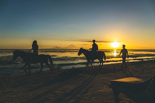 spiaggia tramonto Lombok